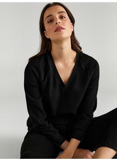 Faik Sönmez  Gofre Dokulu Uzun Kolllu V Yaka T-Shirt 61600 Siyah